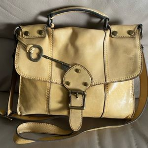 Authentic vintage crossbody fossil Purse!!